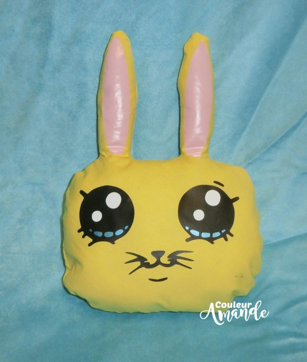 Coussin lapin jaune